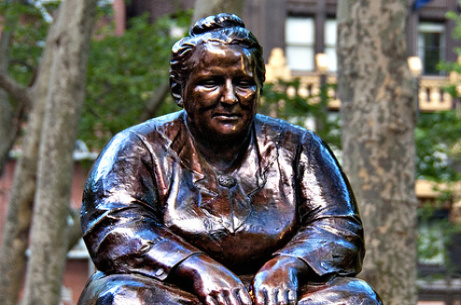 Alumna co-edits new edition of Gertrude Stein classic