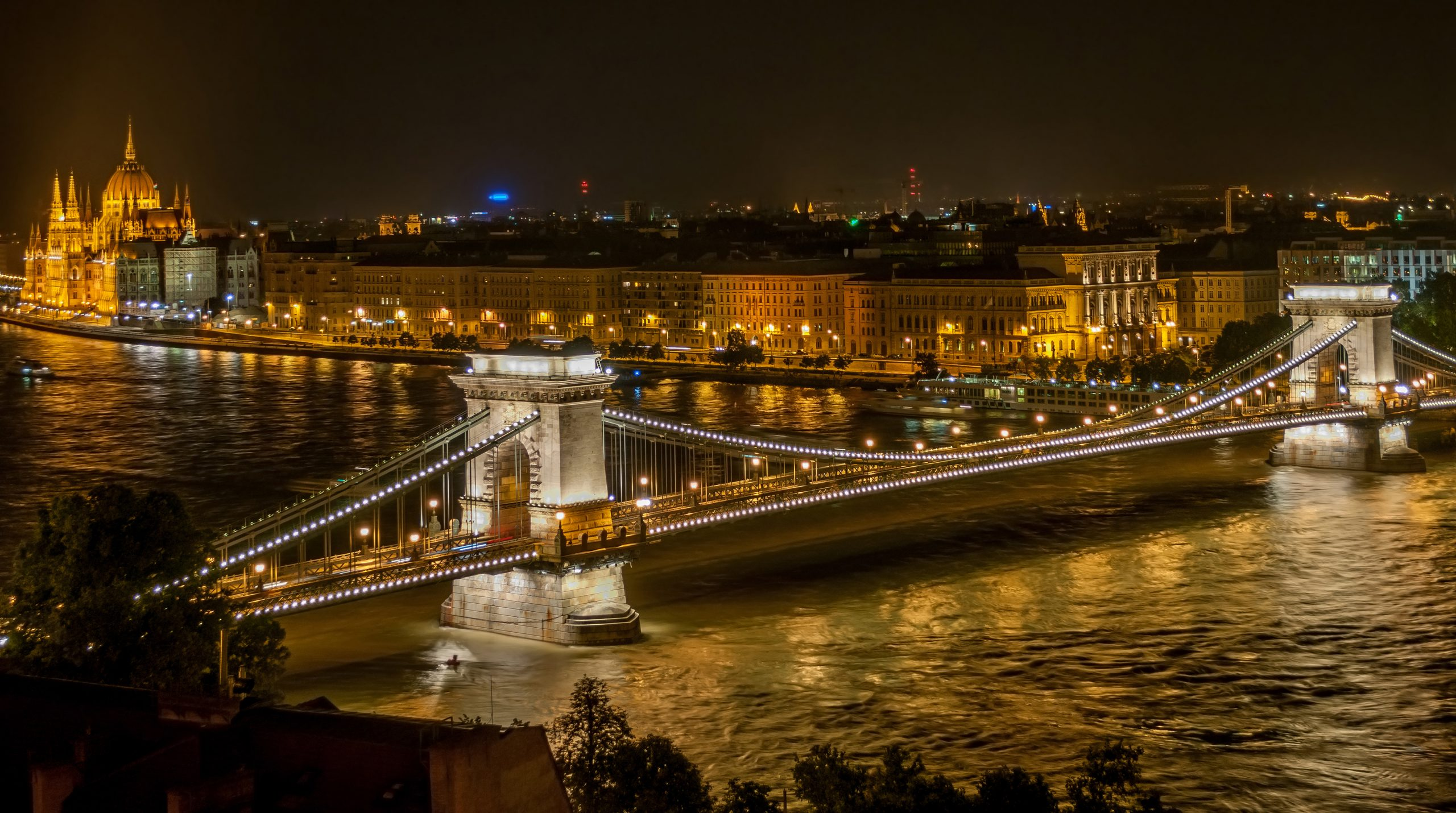 Alumni to hold migration forum in Budapest